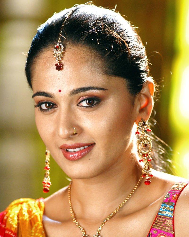 Beauty at its finest!😍😍✨  #AnushkaShetty...