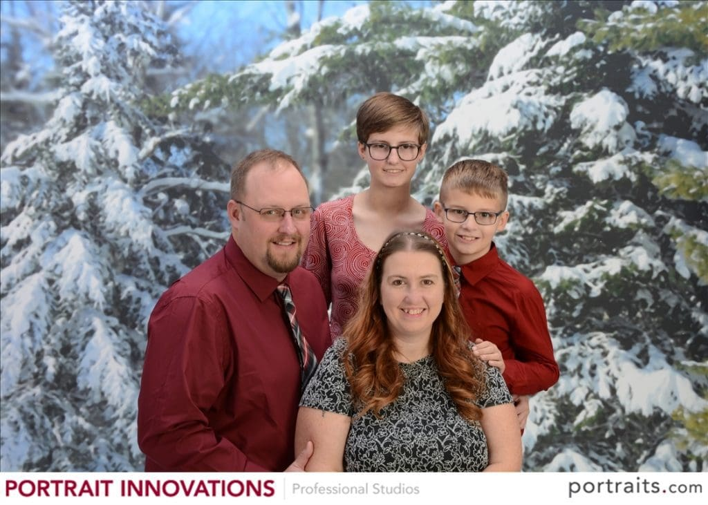 RT @blm03: Say cheese!  Taking your holiday photos at Portrait Innovations https://t.co/DrNhWYE7bH https://t.co/0DyPna4gZL