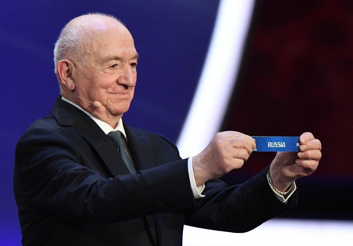 GROUP A complete! Russia Saudi Arabia Egypt Uruguay  #WorldCupDraw https://t.co/UxBxOTRl9K
