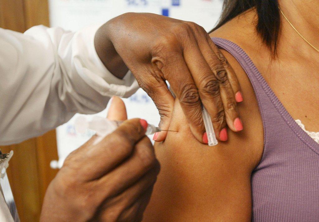 Quem nunca teve dengue não deve tomar vacina da doença, recomenda Anvisa. https://t.co/51dNPRHnBq 📷Arquivo/Agência Brasil
