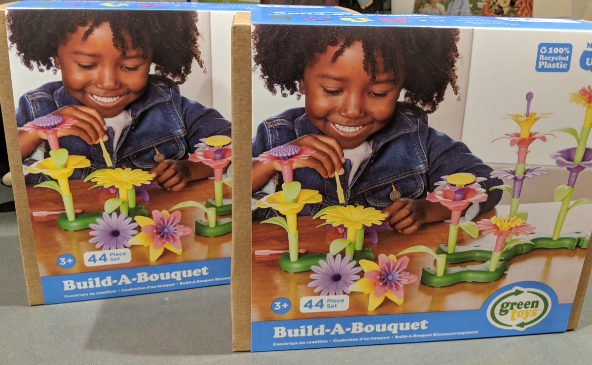 Toddler This Holiday May I Suggest The Greentoysinc Build A Bouquet With My Daughter On Box Http Www Greentoys Green Toys