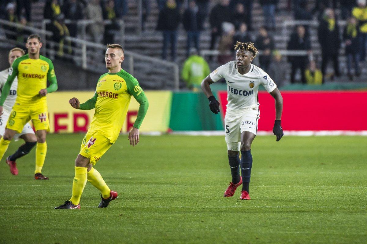 El Nantes se impone al Mónaco (1-0) y el Lille sorprende al Lyon (1-2)