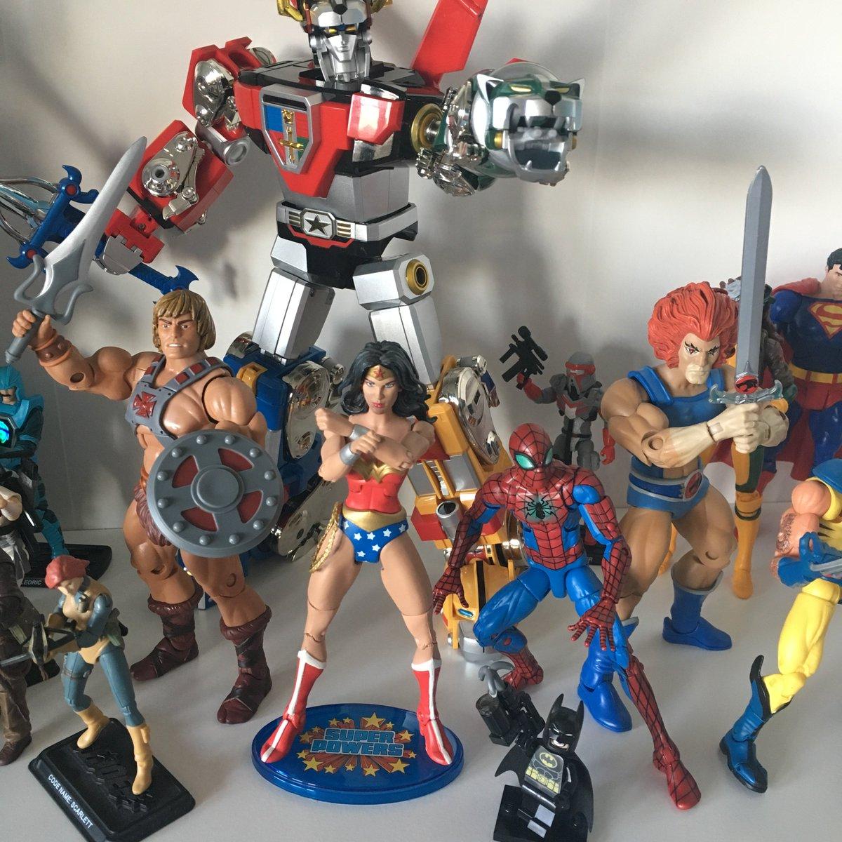 80 Toy Action Figure Shelves - DP1K9PcWkAAhhW5_Fantastic 80 Toy Action Figure Shelves - DP1K9PcWkAAhhW5  Graphic_24653.jpg