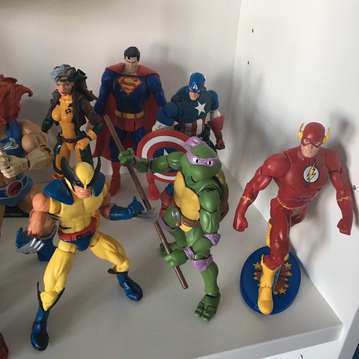 80 Toy Action Figure Shelves - DP1K9QzW4AAMVWX_Cool 80 Toy Action Figure Shelves - DP1K9QzW4AAMVWX  2018_911443.jpg