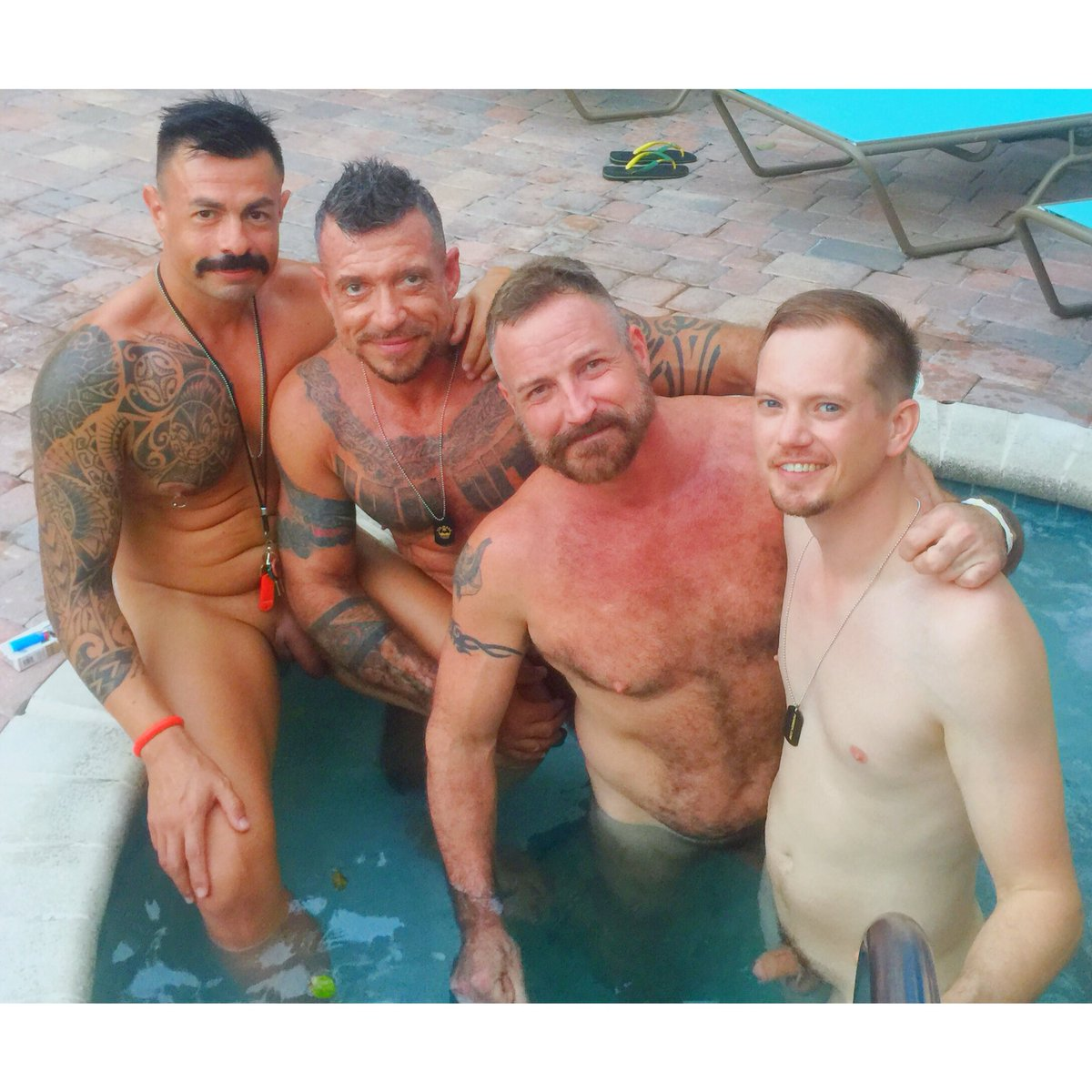 Gay Pool Party Pornos