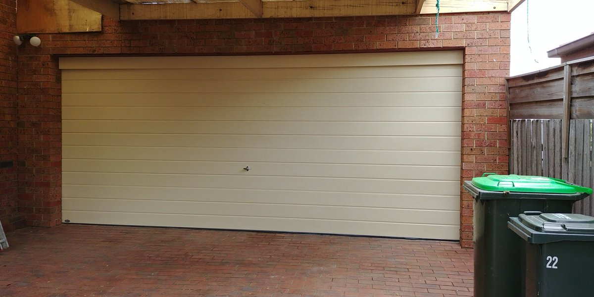 Everlift Garage Door on Twitter  Nice and crisp Classic Cream colorbond Sectional Door in Slim-line design with a manual locking system. & Everlift Garage Door on Twitter:
