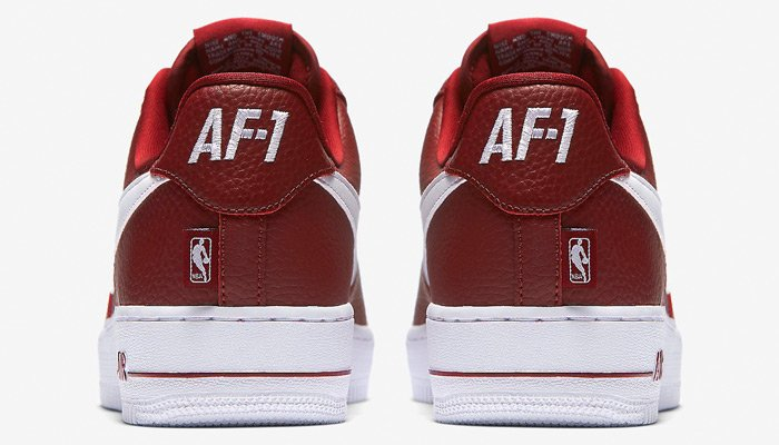 size 40 6c107 1b8dc Use discount code GIVE25 to score the team red white NBA x Nike Air Force 1  Low for  75 + FREE shipping! http   bit.ly 2ip2DyM  pic.twitter.com rGXzWjYXK6