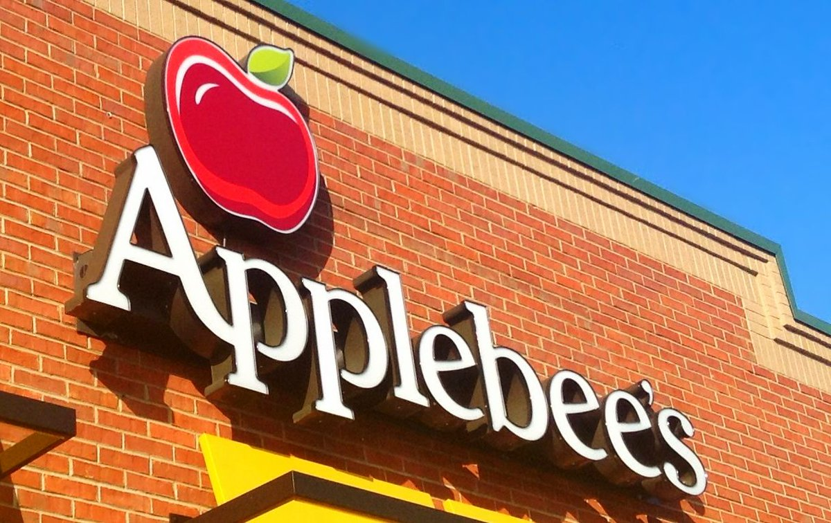 Applebee's will serve $1 Long Island iced teas all December https://t.co/3zIpzOzDJJ