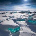 バイカル湖見てると、流氷が宝石達みたいに言葉を発するのもなんとなく理解できる pic.twitter…