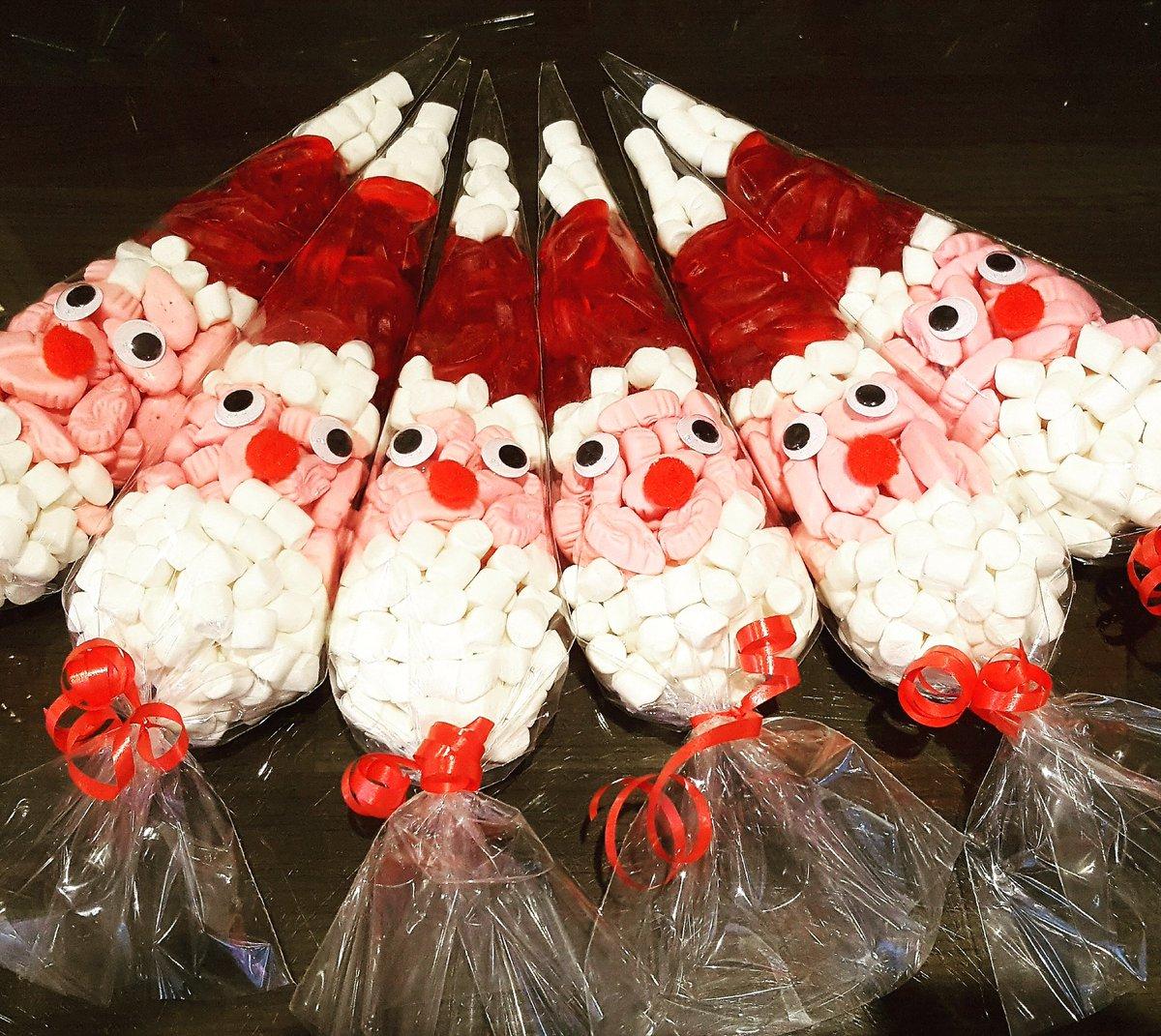 how to make santa sweet cones