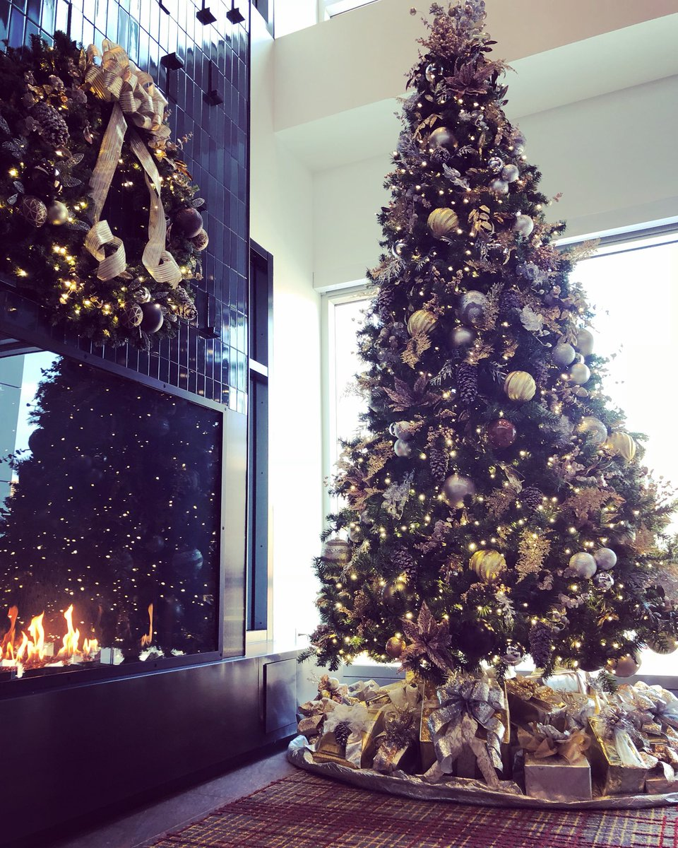 Christmas Tree Setup.Colin Dunlap On Twitter Big Dave White S Office Has The