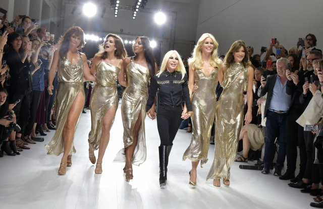 Wwd On Twitter Donatella Versace To Receive Fashion Icon Award Https T Co Dbix3lo0ku