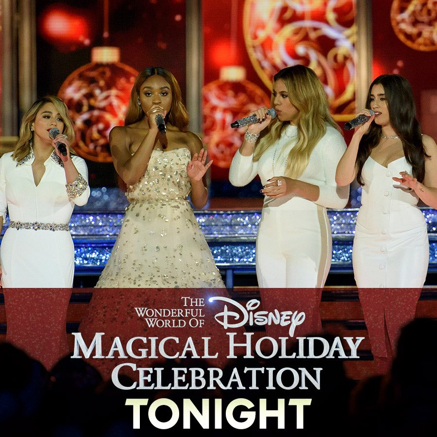 TONIGHT! Light up the holiday season with us. Don't miss the #DisneyHolidayCelebration at 9p ET on @ABCNetwork!! 🎄