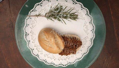 Un maridaje perfecto: picadillo de ciervo con setas sobre base de mermelada de cerveza artesana. Tapa de@lonuestrotoledo #DeTapasPorToledo2017
