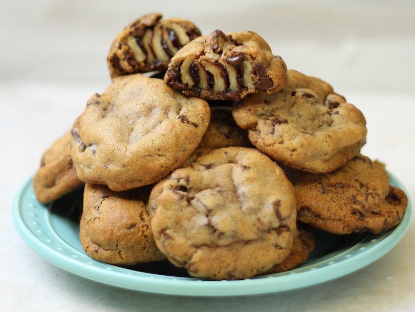 Cinnabon Is Now Stuffing Its Cinnamon Rolls Inside Chocolate Chip Cookies http://dlsh.it/EpgaRyA