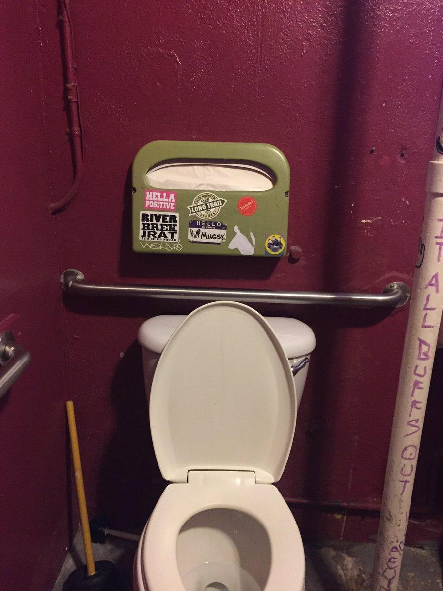 Admirable Brady Klopfer V Twitter On A Toilet Seat Cover Dispenser Dailytribune Chair Design For Home Dailytribuneorg