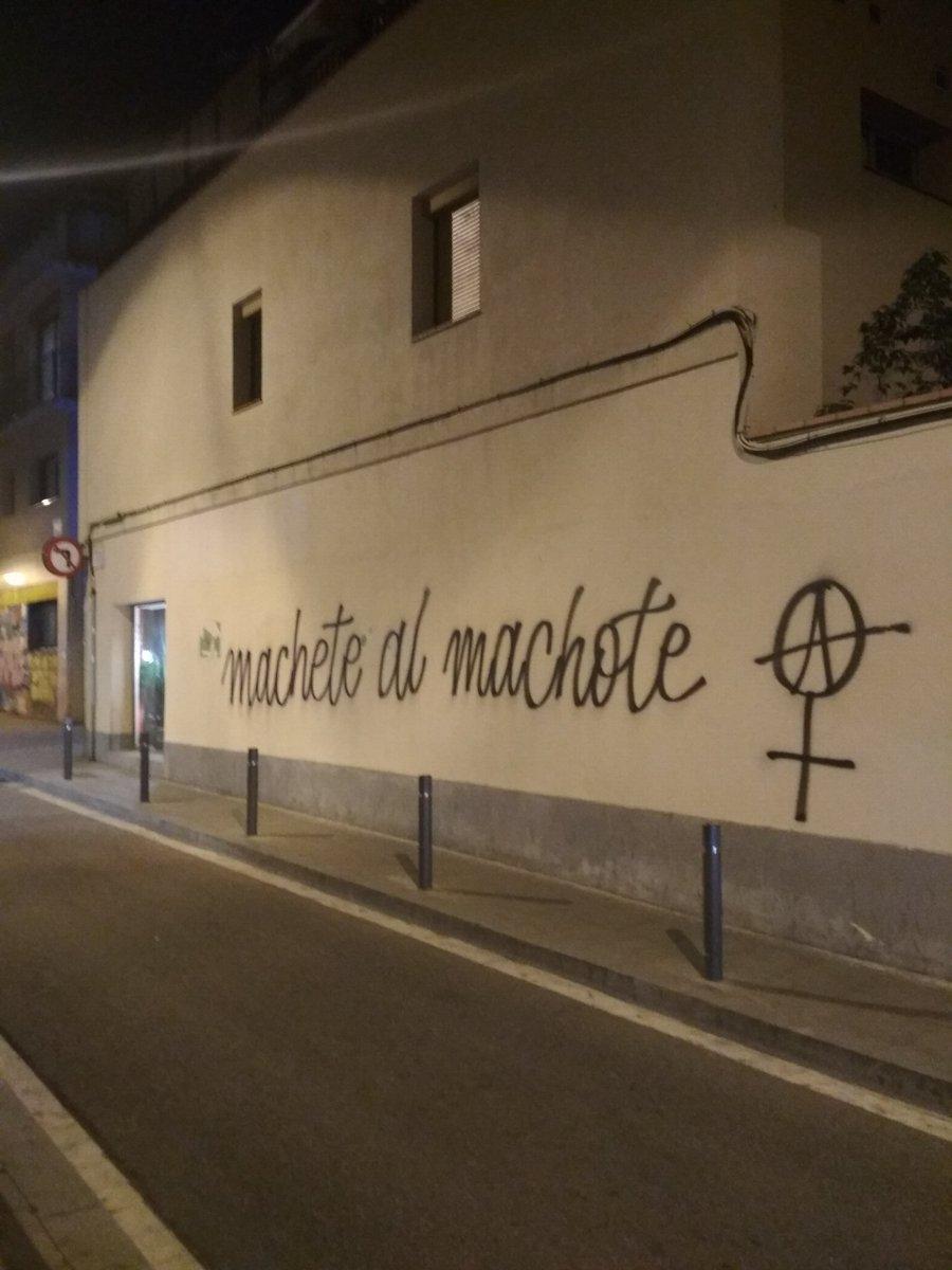 Pintadas, grafittis y otras mierdas del arte hurvano ese. - Página 4 DP5pIDfW0AEB8MD
