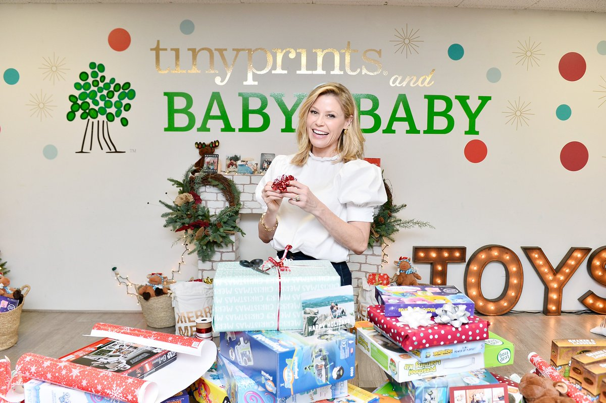 Our amazing sponsor @tinyprints transformed @baby2baby headquarters into Santa's Workshop for our Holiday Wrapping Party! Shout out to our Board Member @itsjuliebowen for hosting a special afternoon & to our Baby2Baby Angels & supporters who helped wrap 🎁 for the kids we serve! https://t.co/1d4G8pXQxn