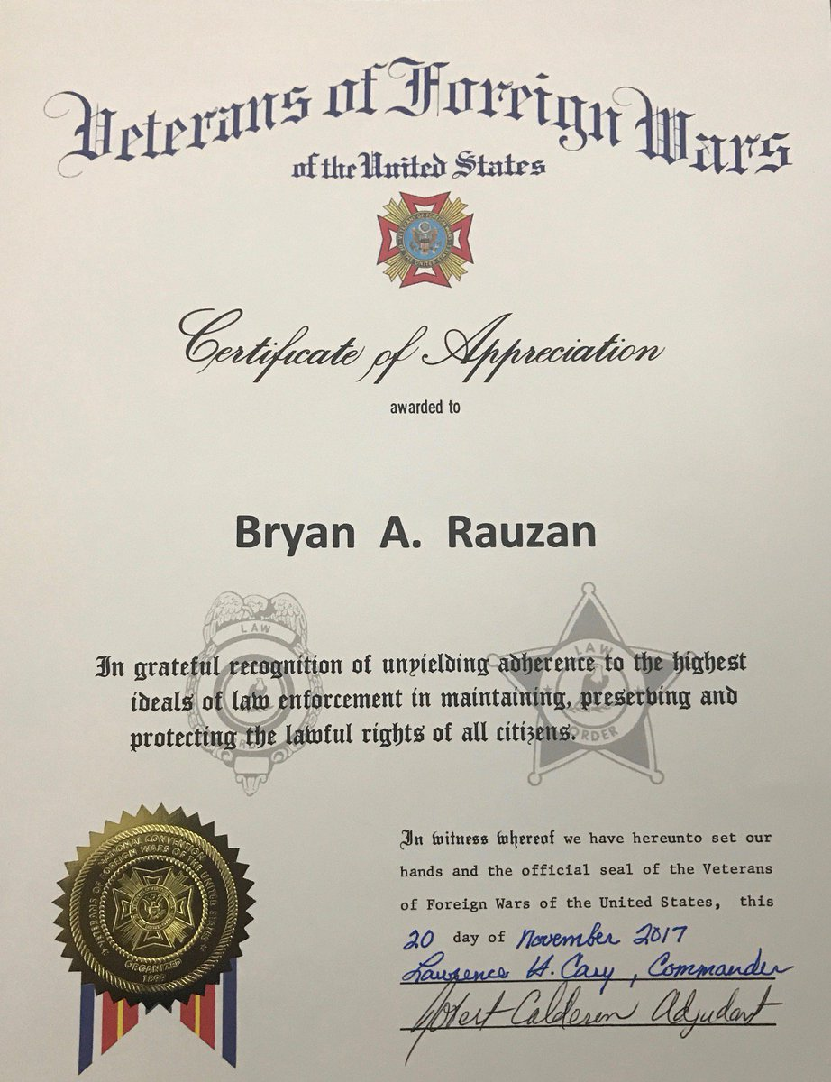 Peoria police az on twitter great work peoria high school peoria high school resource officer rauzan from peoriaazps recently received an award from vfw post 2135 for his outstanding work with the hart pantry and yelopaper Images
