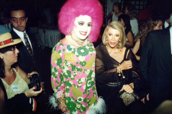 #TBT from @MelRivers: Where's the Fashion Police when you need them? At the AMFAR Benefit in Central Park in 1993. https://t.co/cFsP6PoB60