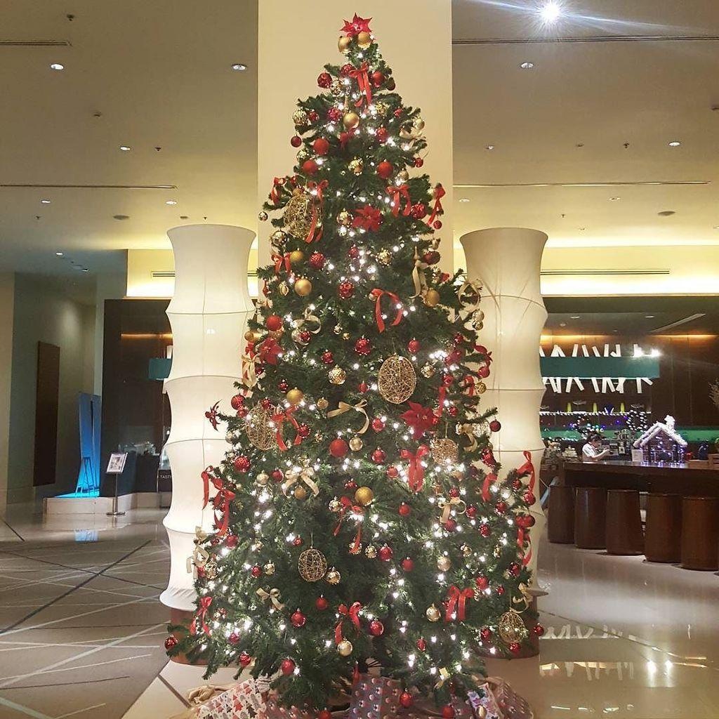 Hello December. Festive season is coming soon 🎅 https://t.co/yaYOv8T1yC https://t.co/wez3iZ7N62