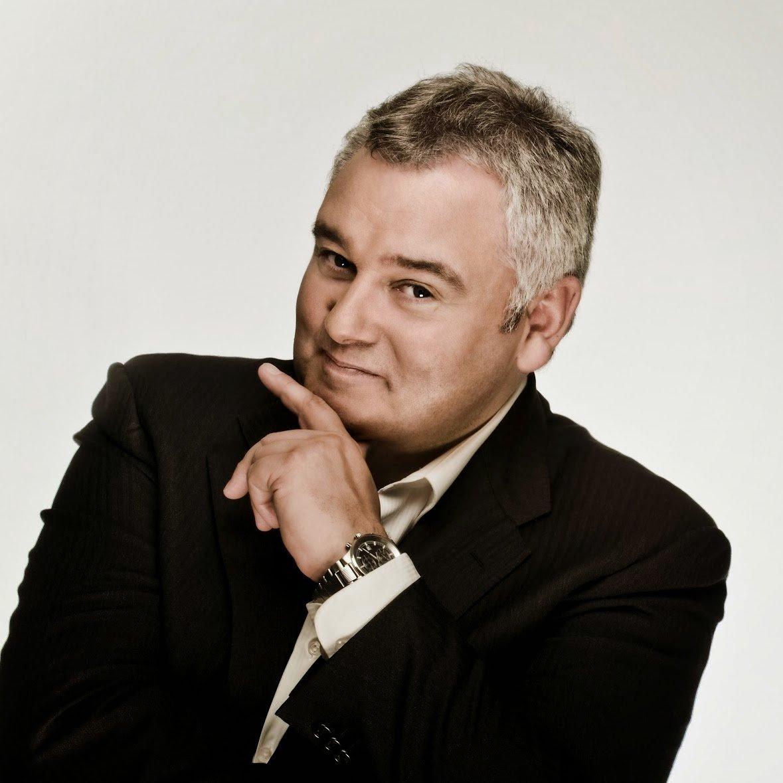 in 1959 broadcaster Eamonn Holmes is born in Belfast. Happy Birthday Eamonn.