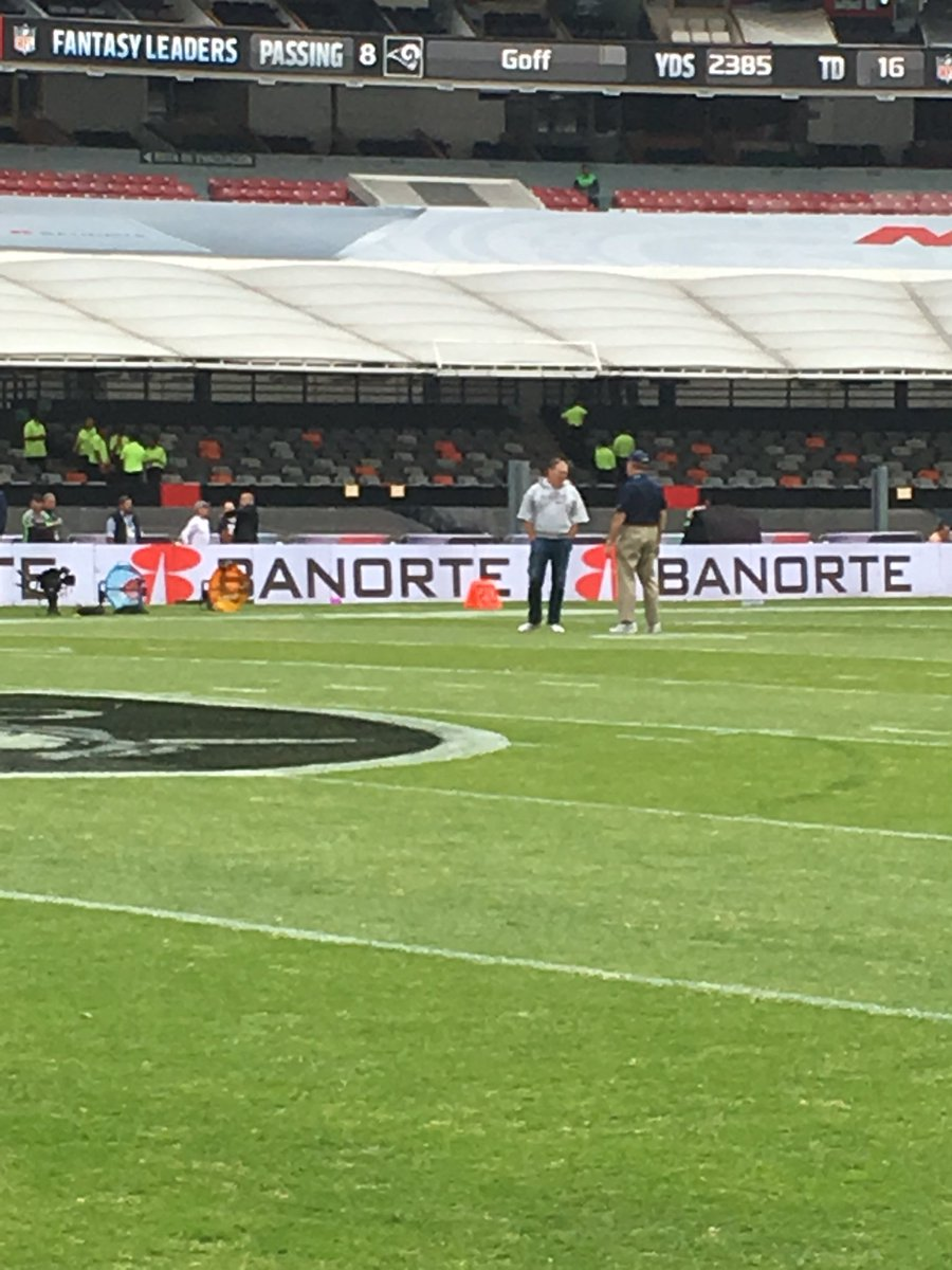 Belichick and the @Patriots already out on field. Told @RAIDERS still 40 min away. @NFLonCBS #mexicocity