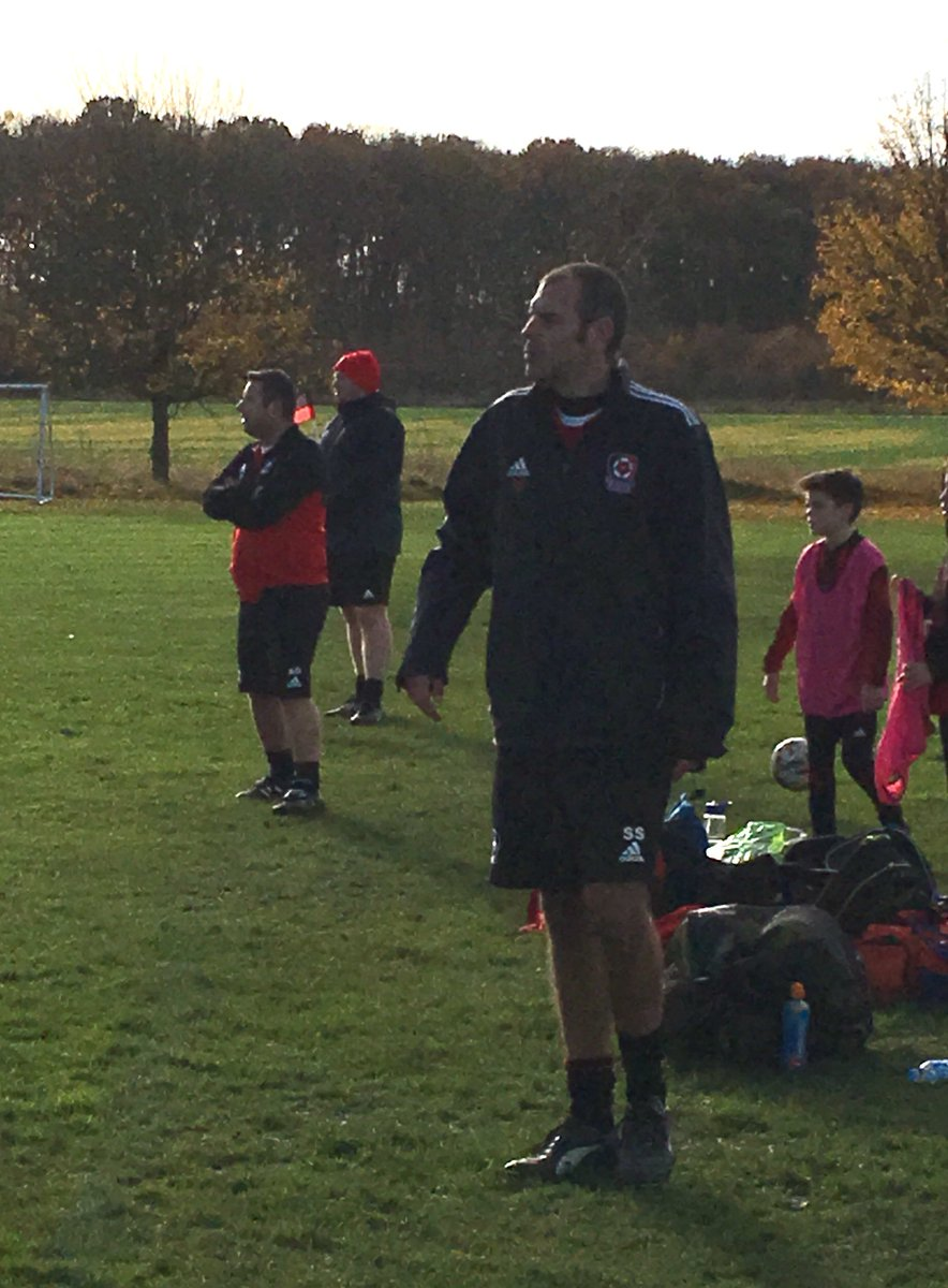 There's some experience on that touchline! #coachingteam #volunteers #mbfc <br>http://pic.twitter.com/L2E7OsMxII