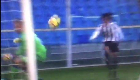 Mai dire goal/2: Emiliano Viviano, la parata di.. sedere - https://t.co/7hVUdmACxH #blogsicilianotizie #todaysport