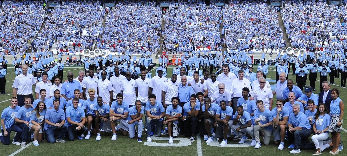 Still one of our favorite pictures. #TarHeelLegends  #GoHeels <br>http://pic.twitter.com/qIVccUhfya