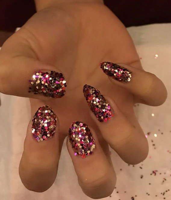 Ciate sequined manicure look just gone up on the blog, @ciatelondon click the link to see a step by step..  https:// chansbeautycorner.blogspot.co.uk/2017/11/ciate- sequined-manicure.html &nbsp; …   #bbloggers @FemaleBloggerRT #bloggerstribe #nailblogger #nails #ciate <br>http://pic.twitter.com/qLjEqyy7ul