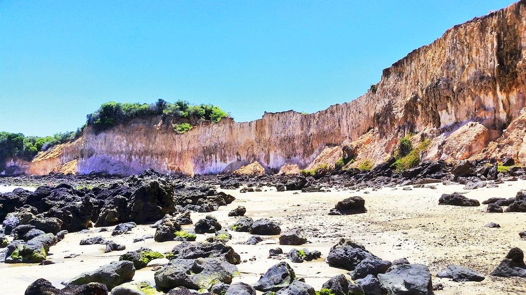 Domingando...#praiasdorn #praiadecotovelo #mar #oceano #solpic.twitter.com/AUrLHfRAPn – at Praia de Cotovelo