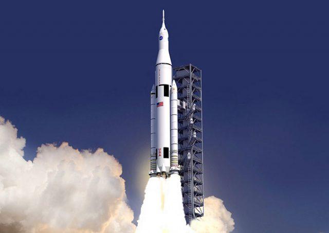 SLS : la NASA prévoit un vol habité en 2023 https://t.co/kONRNbpRvJ