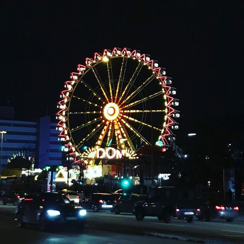 I spent the weekend in Hamburg and their nightlife is crazy. The Winter Dome next to Reeperbahn is just one of the sights #danishadventurer #travelblogger #visithamburg  http:// ift.tt/2zTefy5  &nbsp;  <br>http://pic.twitter.com/rhCBvRxP2a