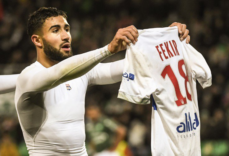In Lyon&#39;s last match against local rivals St. Etienne, Nabil Fekir celebrated causing riots. Lyon fans reaction at home to Montpellier tonight #OL <br>http://pic.twitter.com/7ztadzMGfu