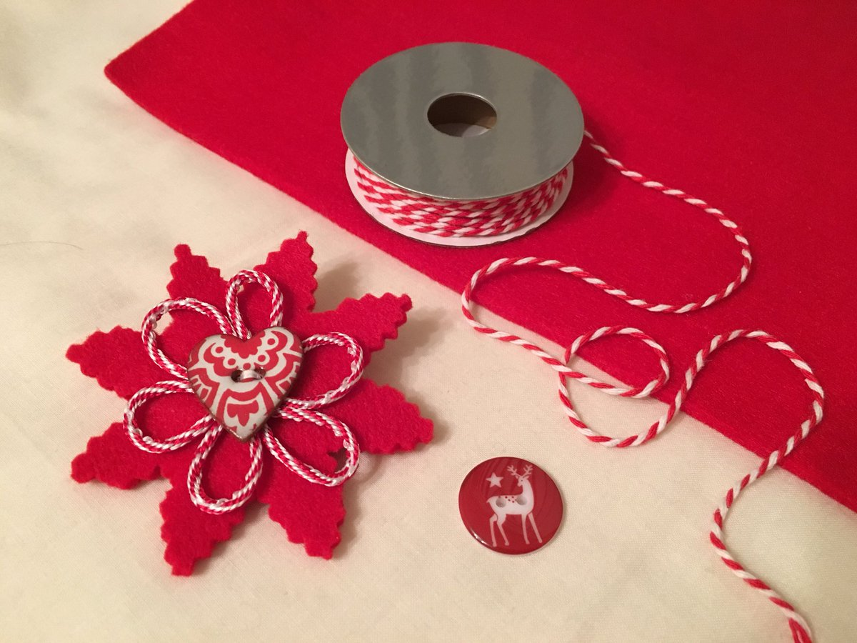Take a small square of 3mm thickness acrylic felt, some fine ribbon or braid (approx half metre), one button and a brooch pin for the back. Use a cookie cutter for pattern, add 30 minutes of sewing - one fabric brooch! #sewing #buttons <br>http://pic.twitter.com/0MIdmba6k4