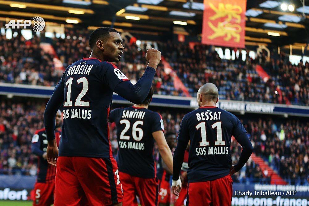 Caen&#39;s French #forward Ronny #Rodelin (L) celebrates after scoring a goal during the French #L1 football #match between #Caen (#SMC) and #Nice (#OGCN) on November 19, 2017 at the Michel-d&#39;Ornano stadium in Caen, northwestern France. CHARLY #TRIBALLEAU / …  http:// ift.tt/2yXRat4  &nbsp;  <br>http://pic.twitter.com/8G8rLzKn3t