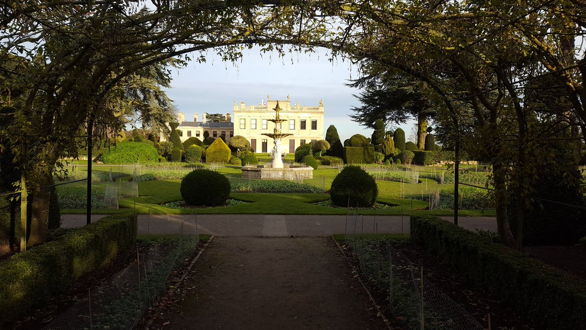 #First trip to @EnglishHeritage Brodsworth #House &amp; #Gardens The sun kept shining and its a wonderful #Victorian garden to walk around on an #autumnal day<br>http://pic.twitter.com/fiUFxCOxMa