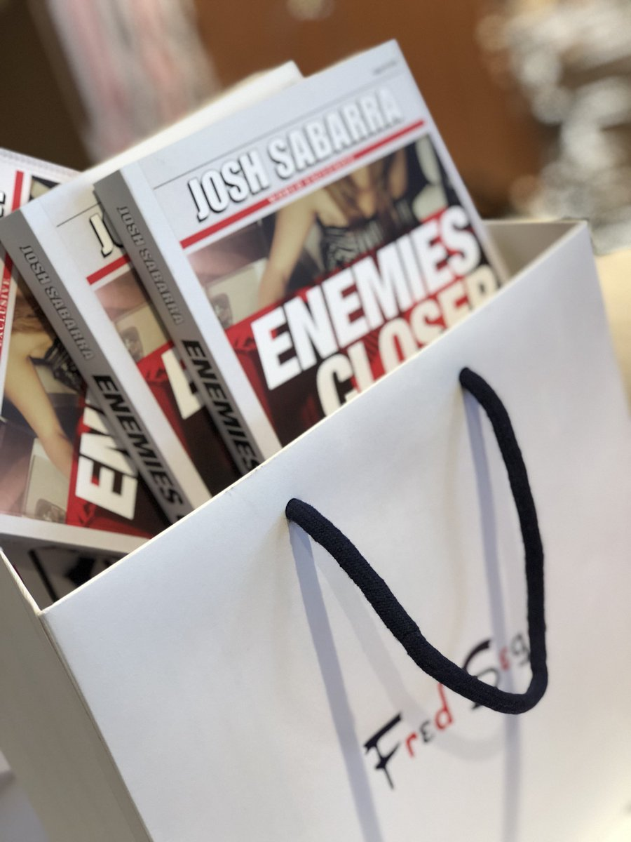 Around #WeHo this #weekend? Stop by the new, flagship #FredSegal (8500 Sunset) for amazing #gifts. And, grab #EnemiesCloser for the readers on your #holiday list! @BestGiftStoreLA #WestHollywood #Sunday #SundayFunday #shopping #LosAngeles #LA #books #reading #celebrity #Hollywood<br>http://pic.twitter.com/SVZt07qf1A
