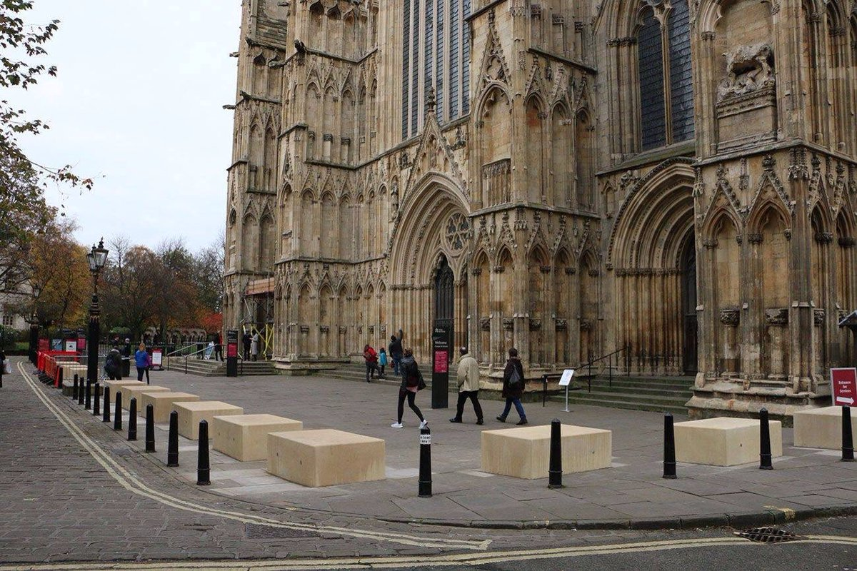 Centuries old York Minster now getting its islamic stonemasonry modification ahead of the roof appeal #YorkMinster #ForBritain #islamisation <br>http://pic.twitter.com/Zm6k1LmJHr