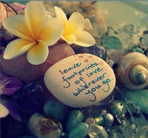 Leave footprints of #love wherever you go   #MondayMotivation #MotivationMonday #ThinkBIGSundayWithMarsha #InspireThemRetweetTuesday #IQRTG #JoyTrain #SuccessTRAIN<br>http://pic.twitter.com/T2zHn0pVgp