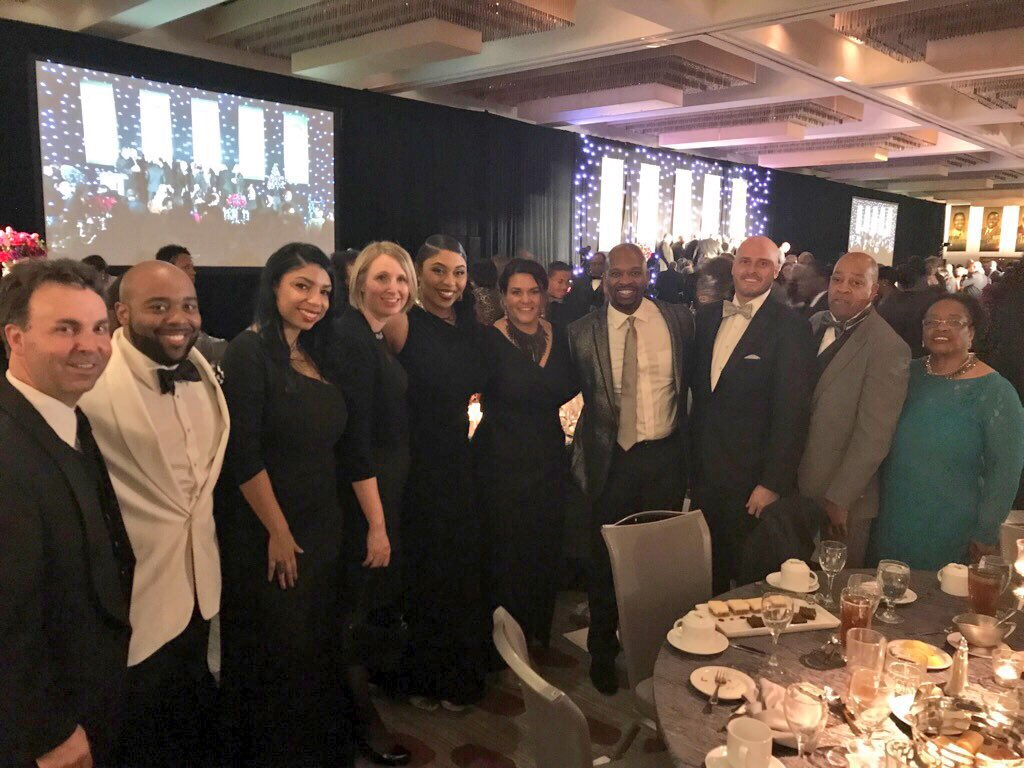 Had so much fun celebrating amazing black men in our #cincinnati community with my @WLWT family at Men of Honor! #community #Leadingtheway <br>http://pic.twitter.com/1jxgONi0r2