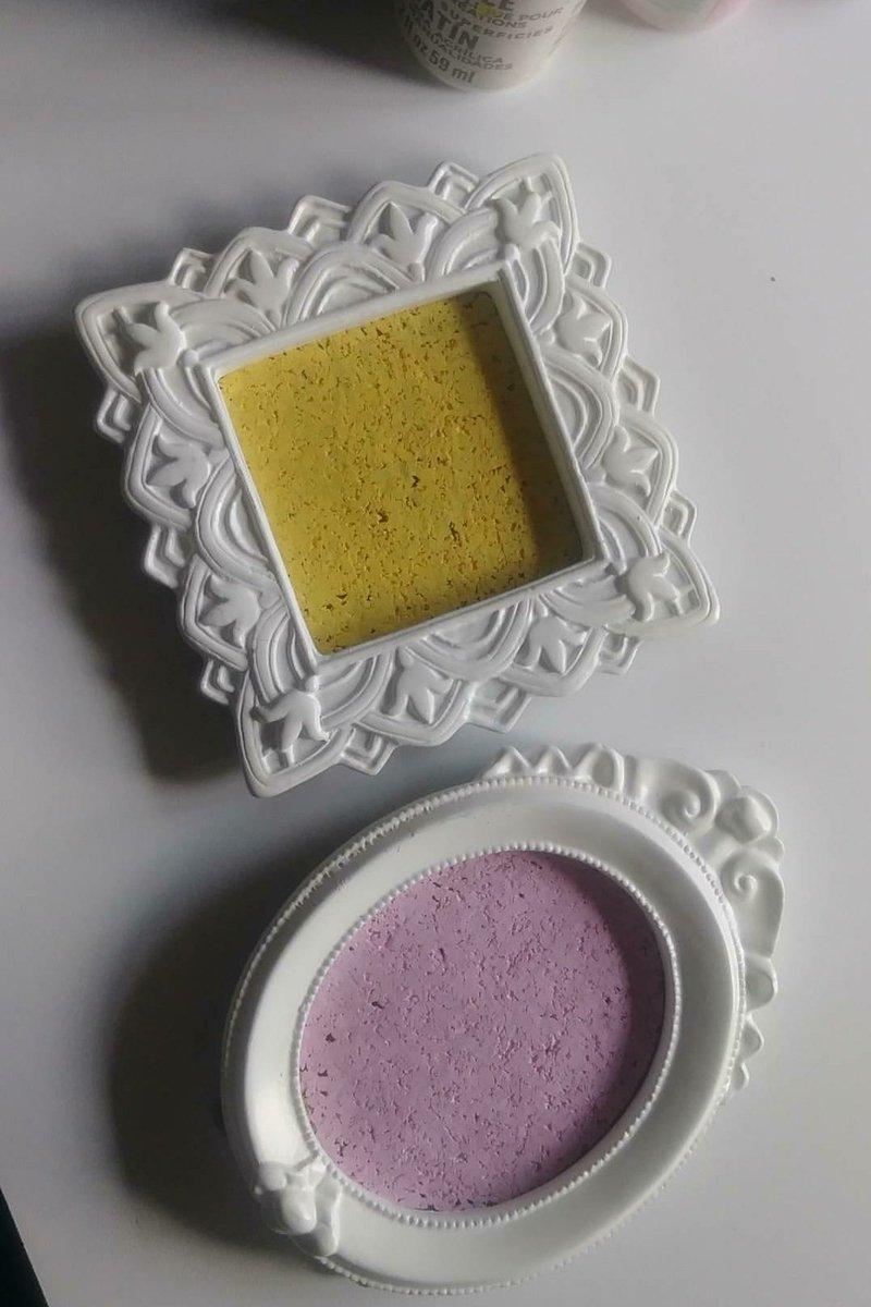 But they look cute... #Pins #Corkboard #Pastel #Art<br>http://pic.twitter.com/gRcDzbukUM