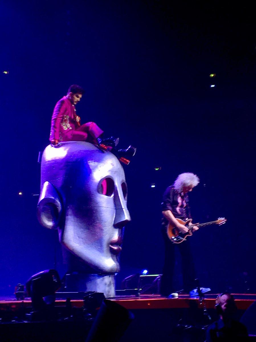 Killer Queen. What a great show with @QueenWillRock and @adamlambert! #rock #happy #Queen<br>http://pic.twitter.com/B5NETxKw65