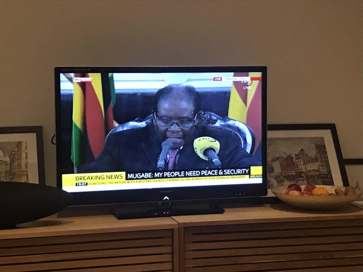 Mugabe fails to resign in live speech