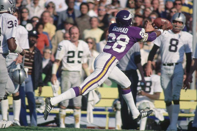 Happy birthday to former receiver Ahmad Rashad, who turns 68 today.