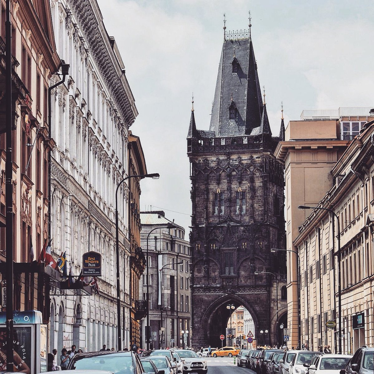 Magnificent street leading to the medieval Powder Tower in #Prague / #travel #travelblog #travelblogger #traveling #exploring #visitCZ RT<br>http://pic.twitter.com/3anatyx3KS