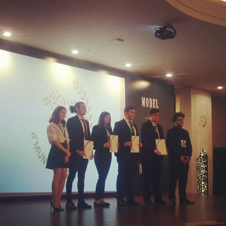 The Outstanding Delegate Award goes to Melih Kayra Yavuz at #WHO  #16thdmun @Didem_Ozgul @avarezgi @zeren_eren @ABEKDA @tugbaakyuzz @salhakbay @AliRizaLule<br>http://pic.twitter.com/nAtVAxxOCA