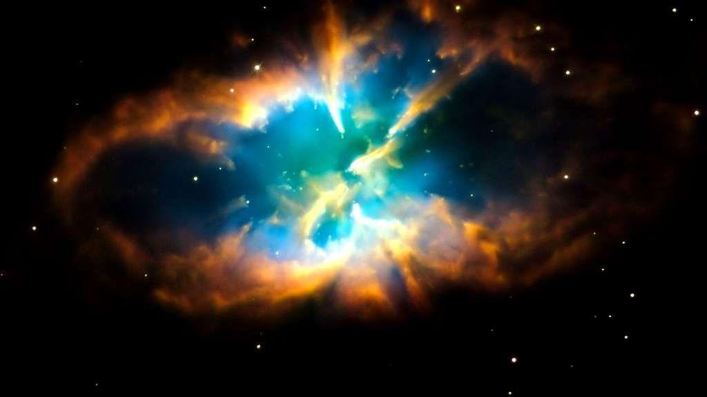 A 10.000 années-lumière de nous, la #nébuleuse #planétaire NGC 2818 meurt... 💫 #Photo #Espace #Astronomie  © Nasa, Esa, Hubble Heritage Team, Wikimedia Commons, DP