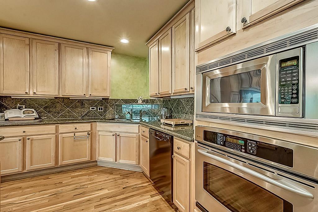 1600 Post Oak BLVD #1305. Houston, Texas 77056  Property Details --&gt;  http:// ow.ly/EFYW30fzLSz  &nbsp;    #UptownGroup #Texas #Houston #RealEstate #Realtor #Forsale<br>http://pic.twitter.com/6gwS7spPUQ